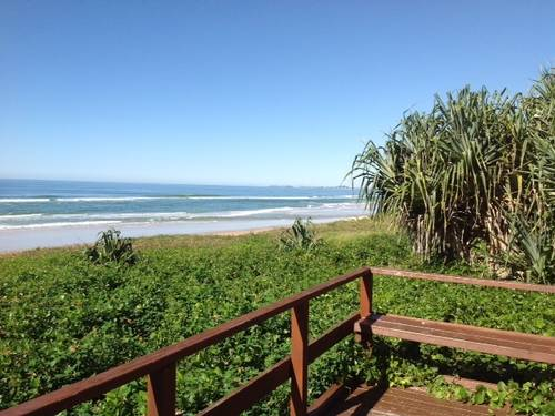 Mermaid beach gold coast qld accommodation holiday auto for Beach house designs gold coast